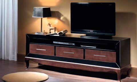 Mueble para tv con cajones en chapa de madera y lacado negro for Muebles auxiliares para television